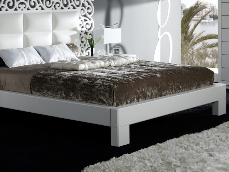 Dormitorio con cabecero calado, mod: CASSANDRA BLANCO