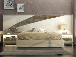 Dormitorio lacado con detalles en pan de champagne. Mod: GOYA