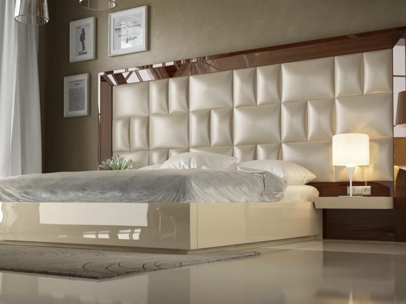 Dormitorio XXL lacado en alto brillo con plaf�n central tapizado.Mod: SAHARA