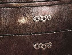 C�moda tapizada en piel 4591