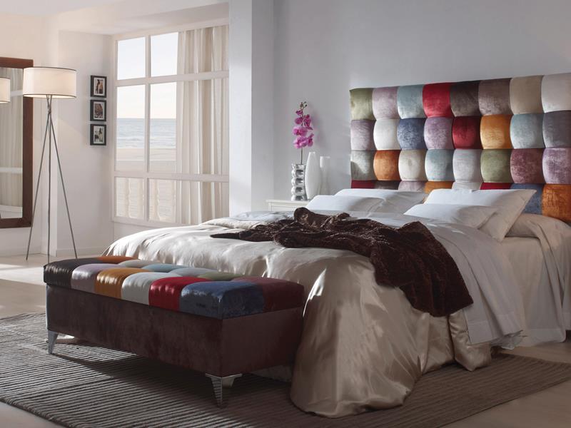 Cabecero tapizado estilo patchwork. Mod. SARA