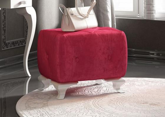 Banqueta con asiento tapizado en capitonné con botones y patas chippendale. Mod. 45360