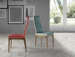 Juego de  2 sillas tapizadas en madera de haya. Mod. NESO WOOD