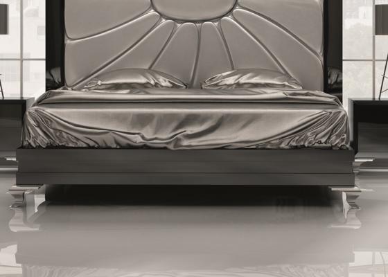 Base cama recta lacada. Mod. SURAYA