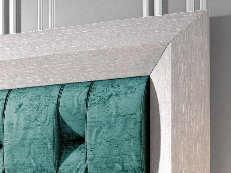 Cabecero de roble con plaf�n tapizado, mod: INDRE