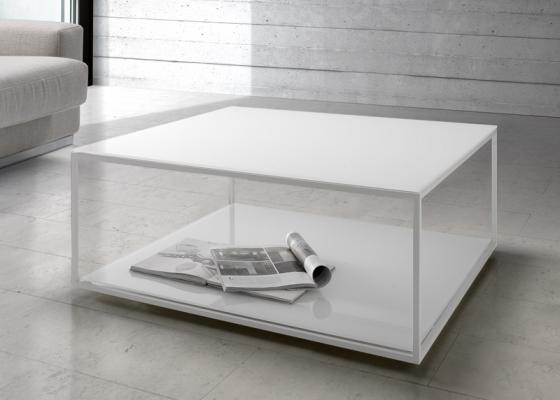 Mesa de centro en acero lacado con tapa en madera o cristal. Mod. AMINA