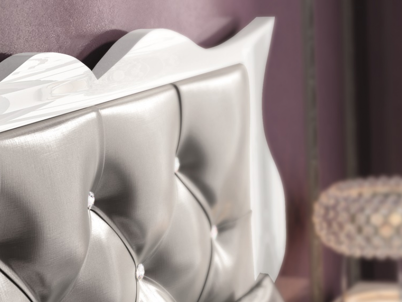 Cabecero tapizado y lacado. Mod: HANA