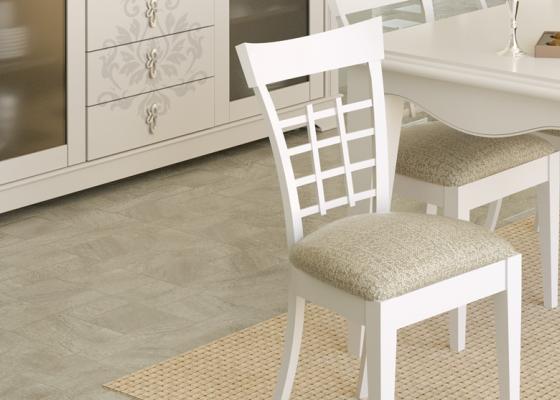 Juego de 2 sillas tapizadas. Modelo: ROYAL1231