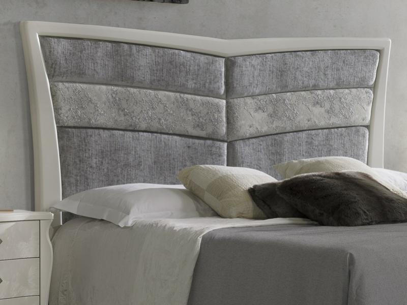Cabecero tapizado y lacado. Mod: ALADA TP
