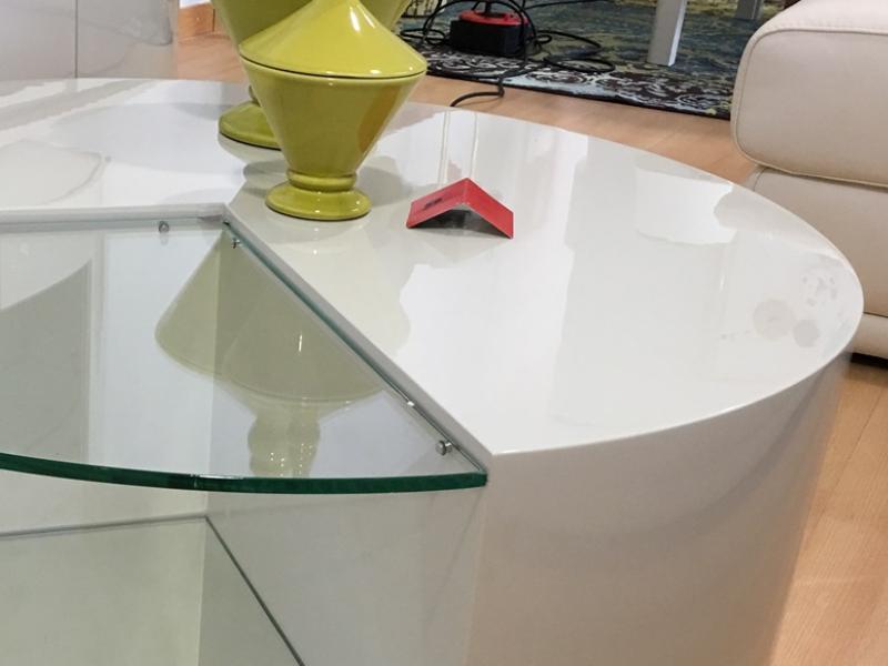 Mesa de centro redonda y lacada. Mod: IKU