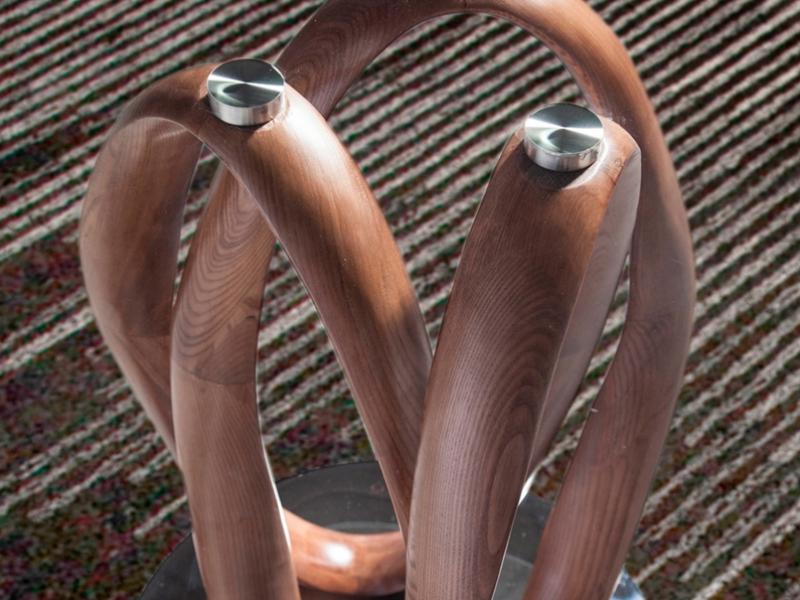 Mesa de comedor fija y ovalada con tapa de cristal. Mod. DAMA