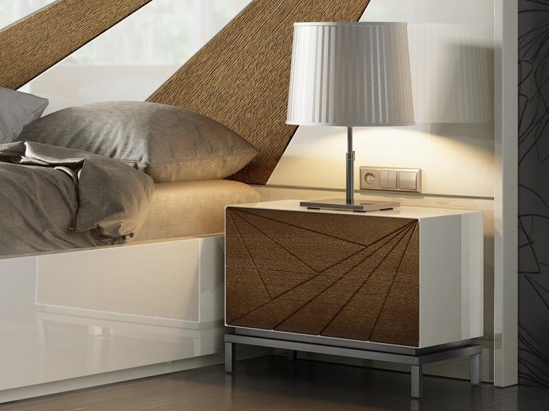 Cabecero lacado con detalles en madera de roble. Mod: IKU XXL