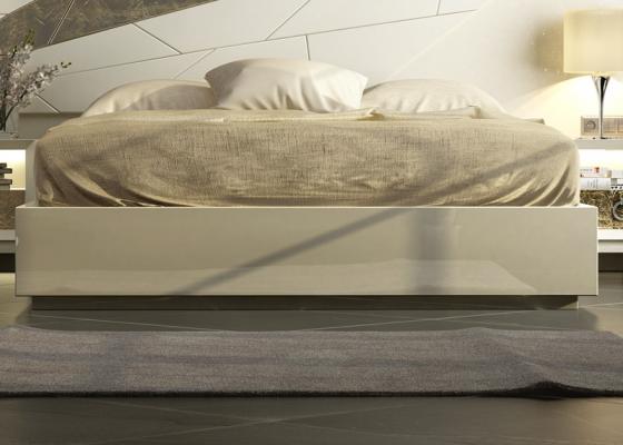 Base de cama lacada. Mod: GOYA