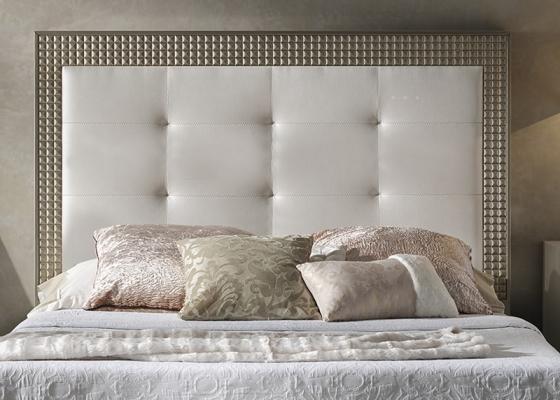 Cabecero lacado y tapizado. Mod: DIAMANTE CHAMPAGNE