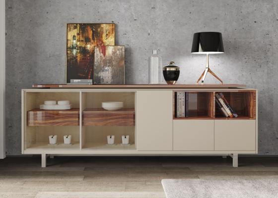 Aparador lacado y madera con puertas expositoras ,cajones y luz led.Mod: AOSTE