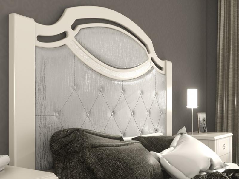 Cabecero lacado con plafones tapizados. Mod: SUITE2180