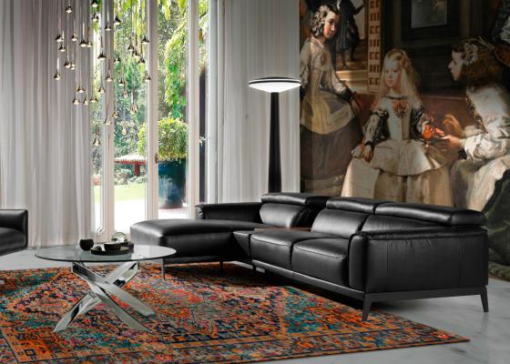 Sofa en cuero con chaise longue. Mod. STELLA-L