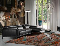 Sofa en piel sintética con chaise longue. Mod. STELLA-L NEGRO
