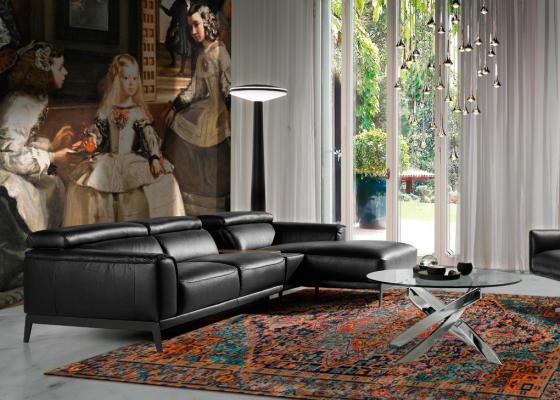 Sofa en cuero con chaise longue. Mod. STELLA-R