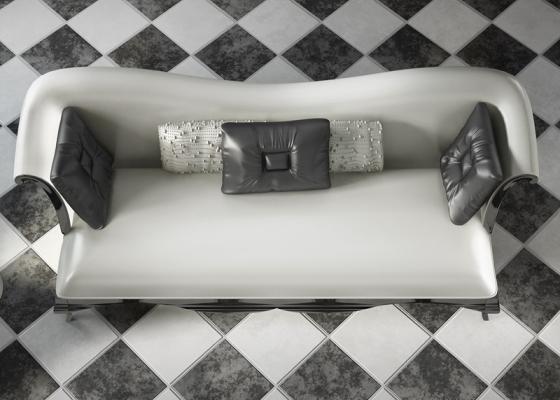 Sofá tapizado y lacado.Mod:ROYAL