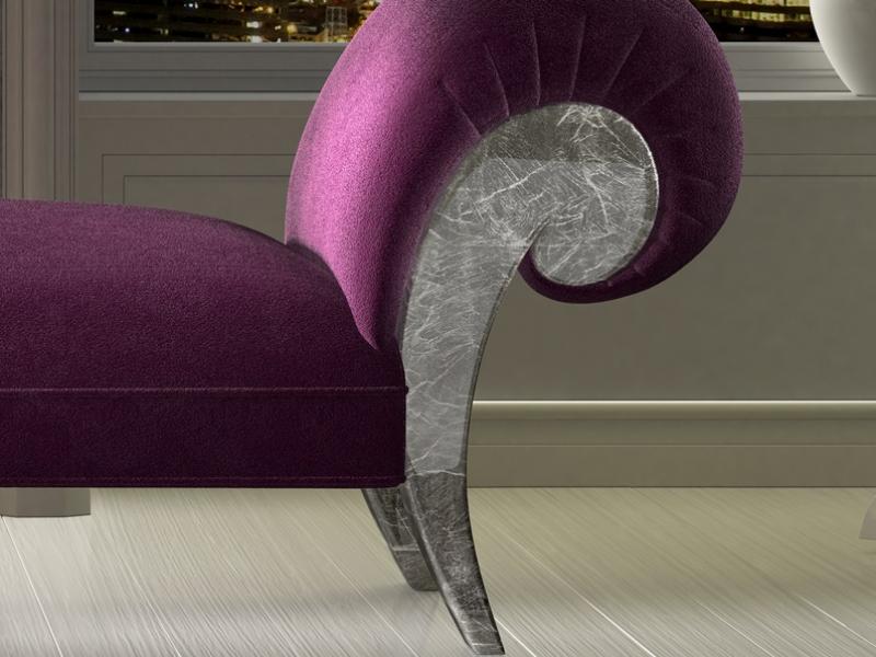 Chaisse longue tapizada con detalles en pan de plata.Mod: IMPERIUM PLATA