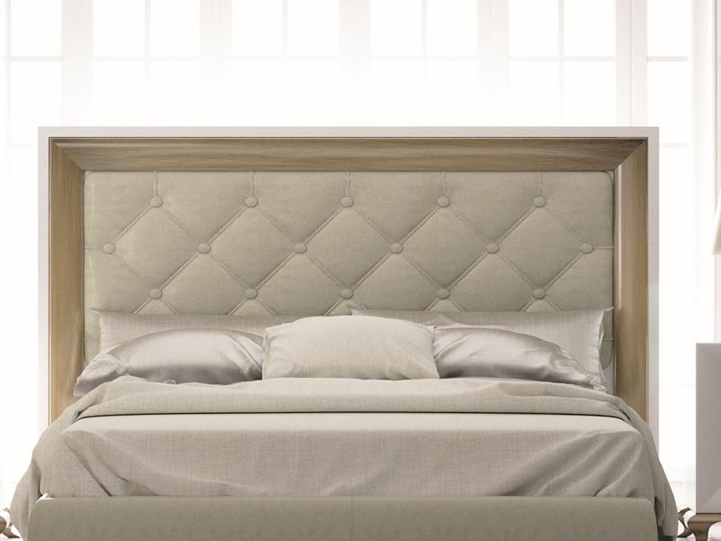 Cabecero lacado con plaf�n central tapizado en capitonne. Mod: TABIA