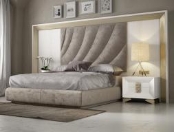 Cama completa en roble y tapizada con cabecero XXL. Mod: LAMA