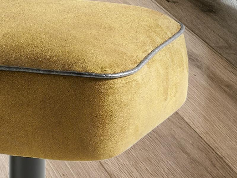 Pouff tapizado: Mod: SONIA