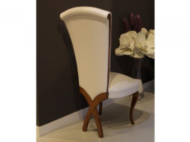 Juego de 2 sillas tapizadas y lacadas . Mod. AVOLA