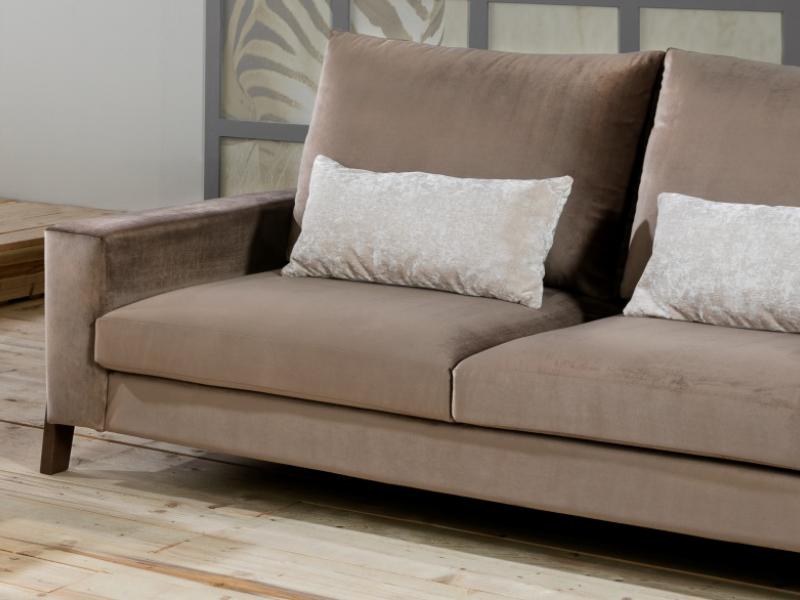 Sof� tapizado en terciopelo.Mod: HELSINKI