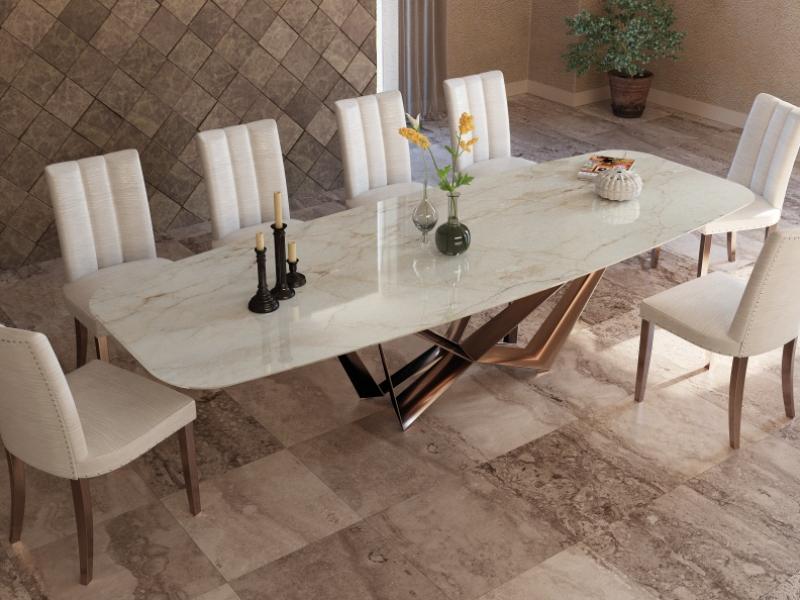 Mesa de comedor con tapa de m�rmol. Mod: MONTONE