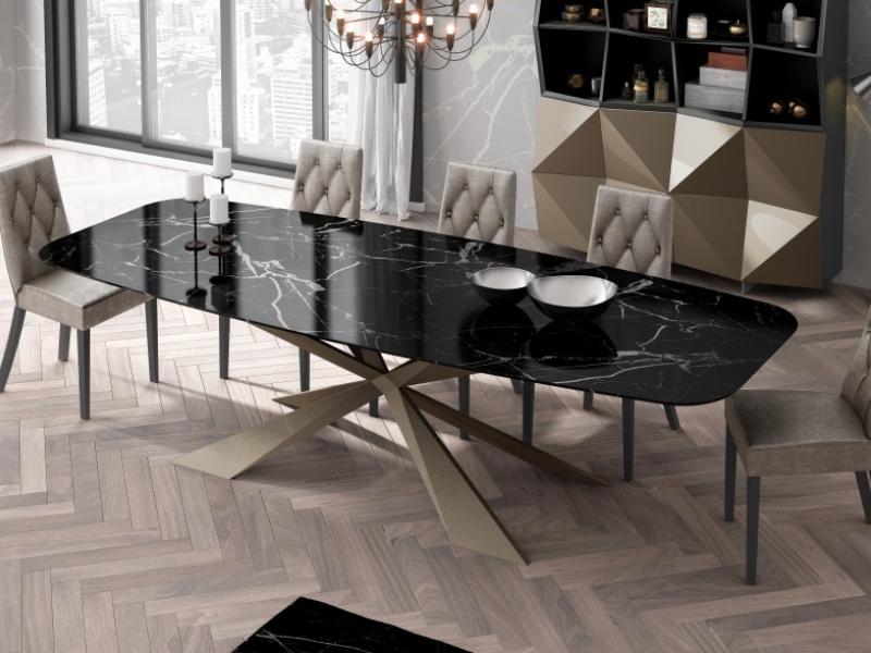 Mesa de comedor con tapa de m�rmol. Mod: KENIA