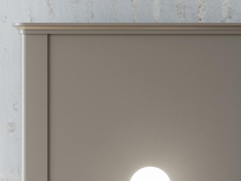 Cabecero largo lacado con plaf�n central tapizado.Mod. LEULA