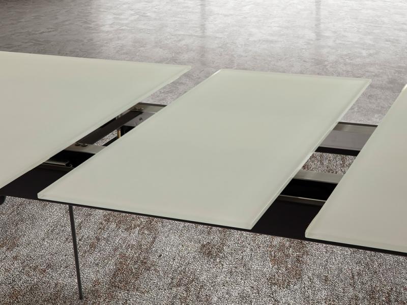 Mesa de comedor extensible con de cristal  blanco. Mod. TOLEDO