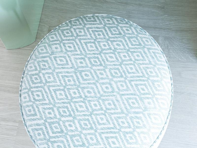 Banqueta tapizada. Mod. CAPRI