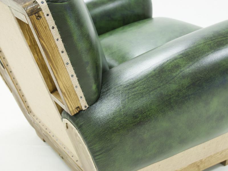 Sill�n tapizado en piel genuina. Mod: BARFLEUR