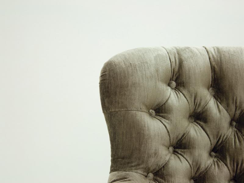 Sill�n giratorio tapizado capitonne en terciopelo. Mod: CITY