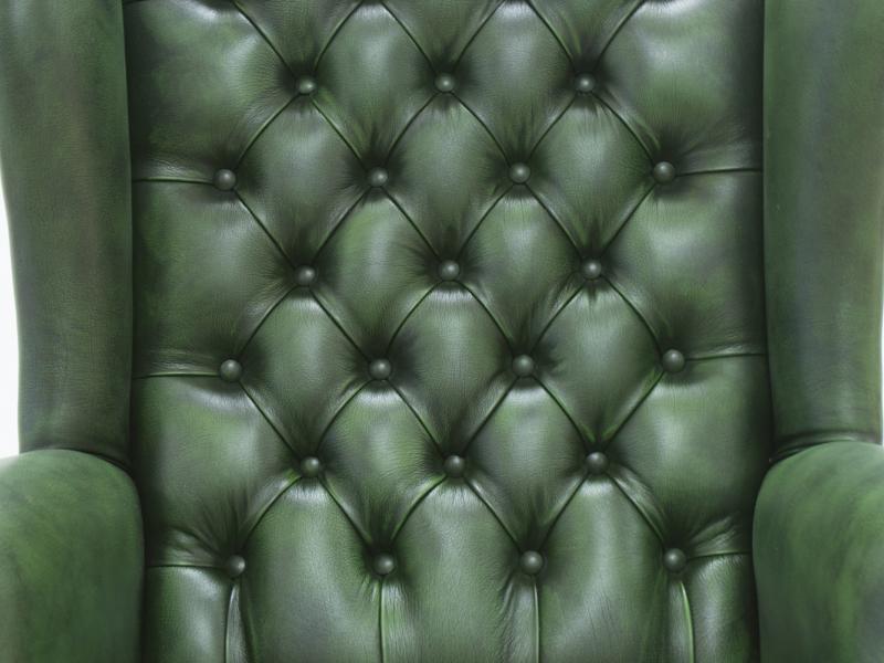Sill�n giratorio tapizado capitonne con botones en piel genuina . Mod: EX�CUTIVE
