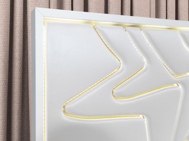 Cama completa lacada y tapizada con luz led integrada. Mod: TERRA