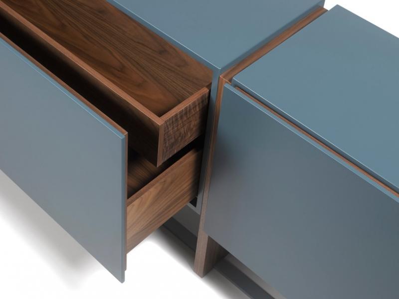 Aparador de dise�o lacado combinado madera y base en acero.Mod: SAMIA