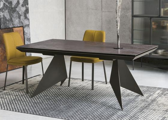Mesa de comedor extensible con tapa porcelánica.Mod: VENT