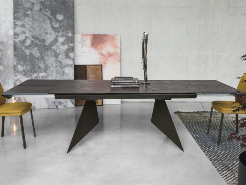 Mesa de comedor extensible con tapa porcel�nica.Mod: VENT