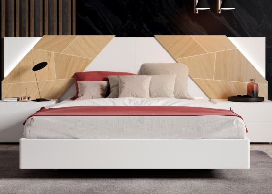 Cama completa con cabecero lacado con plafones centrales en madera de roble y luz led. Mod: SUZETTE