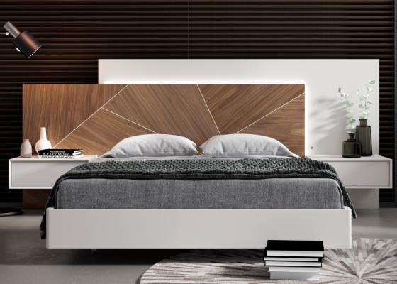Cama completa con cabecero con luz led formado de plafón en madera de nogal americano y plafón lacado. Mod: SILVAIN