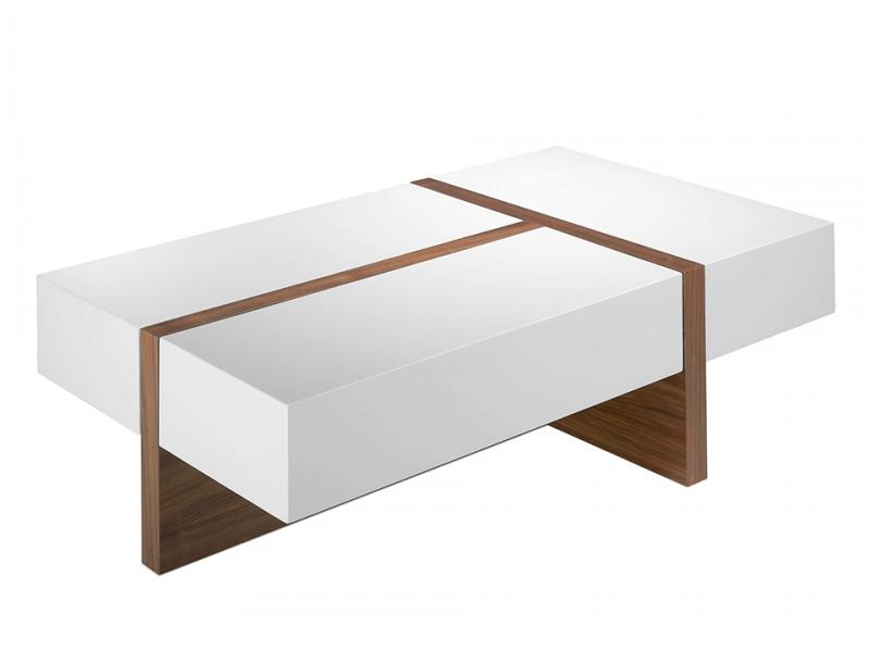 Mesa de centro en madera chapada en nogal con tapas lacadas.Mod: LOLA