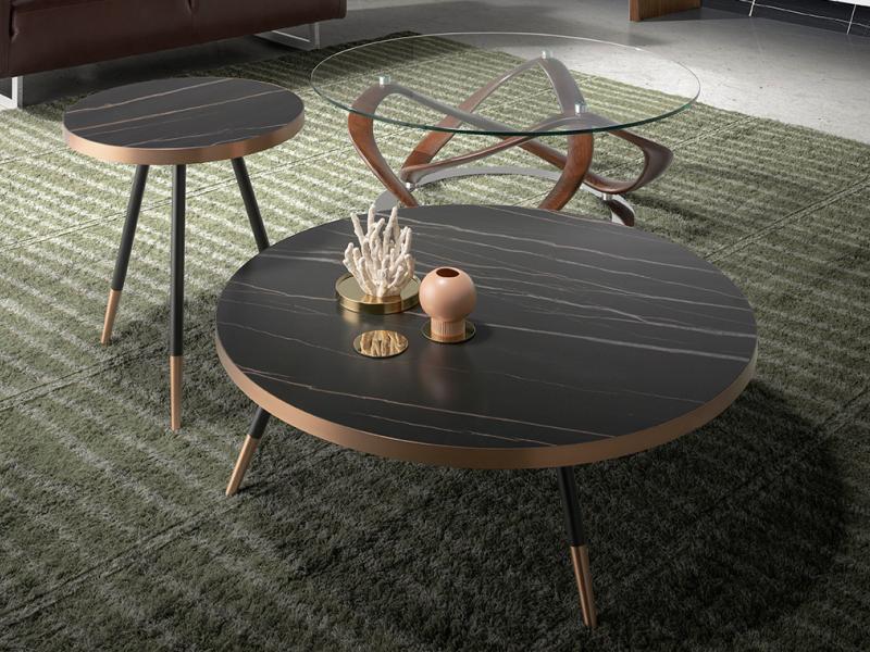 Mesa de rinc�n redonda con tapa porcel�nico m�rmol y acero.Mod: RIGA