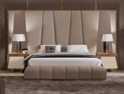 Cama completa XXL tapizada con cabecero enmarcado en madera de nogal americano y espejos laterales.Mod: HANANE